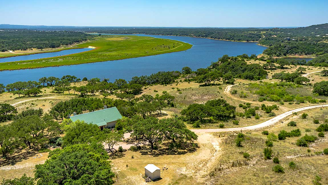 HOME-97-Lake-Travis-01